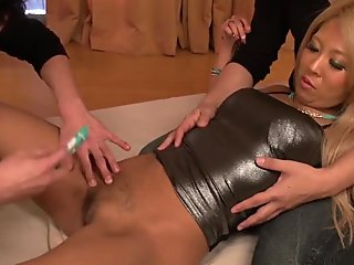 Japanese hardcore pussy pleasures for Karin - More at Japanesemamas.com